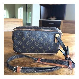 AUTHENTIC LOUISVUITTON POCHETTE MARLY BANDOULIERE